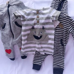 0 - 3 month jumpsuits for baby boy new with tags!